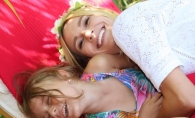 Olia Tira, intr-o poza emotionanta alaturi de nepotica ei! Vezi cat de tandru au pozat - FOTO