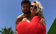 Vacanta de vis! Daniela Burlac si iubitul sau se relaxeaza pe o plaja din Turcia  - FOTO