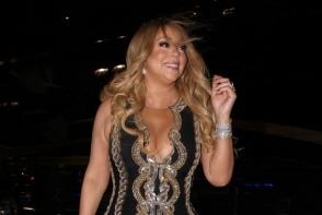 Sfideaza orice norma a bunului gust. Mariah Carey, desfiintata de critici, din cauza obiceiului la care nu vrea sa renunte - FOTO