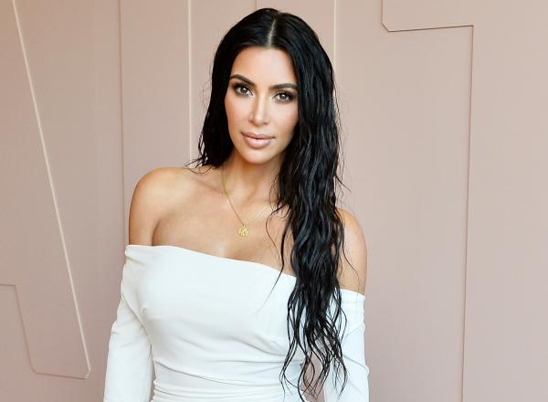 Cei mai neobisnuiti pantofi pe care i-a purtat Kim Kardashian pana acum. Cum a aparut in public - FOTO