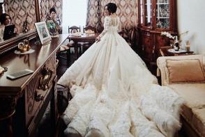 O rochie fabuloasa, cu o trena imensa! Ce moldoveanca celebra a organizat o nunta ca la Hollywood - FOTO