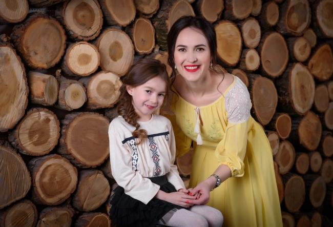 Vera Nastasiu, emotionata rau de tot! Cum a surprins-o fiica sa, Gloria, pe cunoscuta antrenoare de dictie - VIDEO