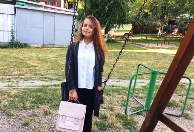 Vine scoala, vin si cumparaturile! Dansatoarea Ionela Tarus a mers la shopping si s-a pregatit de un nou an scolar - VIDEO