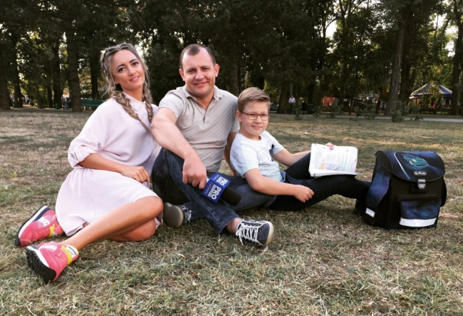 Aurel si Laurentiu Chirtoaca s-au intrecut la citit. Vezi cine s-a descurcat mai bine: tatal sau fiul? VIDEO