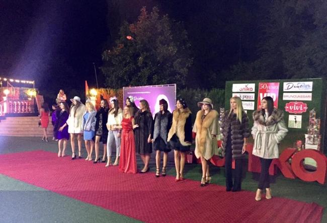 Afla cine se incadreaza in top 50 de femei de succes din tara. O mega  petrecere, organizata de revista Vip Magazin - VIDEO