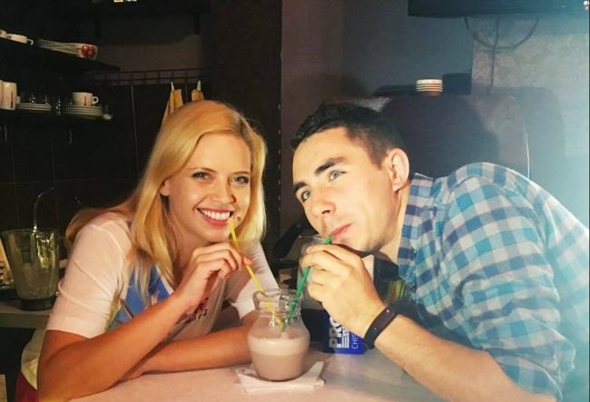 Andrei Nistreanu si Alexandra Shine au pregatit un milkshake de ciocolata. Vezi cat de bine le-a iesit - VIDEO
