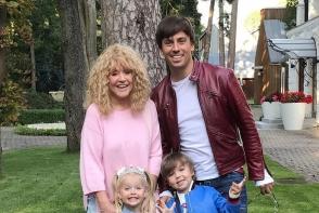 Gemenii lui Maksim Galkin si ai Allei Pugaciova au implinit 4 ani! Garry si Liza au avut parte de o petrecere de zile mari - FOTO