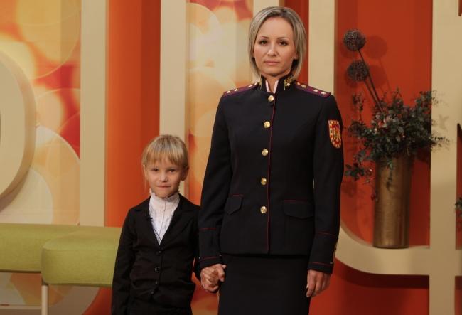 Irina Vulpe a fost femeia care a avut grija ca Angela Merkel sa fie in siguranta la Chisinau. Cunoaste-i povestea - VIDEO