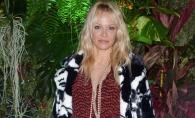 Pamela Anderson, noua regina a kitschului? Tinuta dezastruoasa cu care i-a oripilat pe fani - FOTO