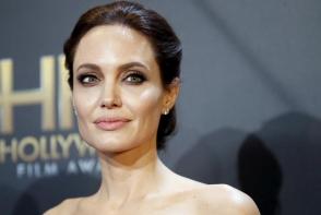 Medicul Angelinei Jolie a dezvaluit 10 trucuri anti cancer la san. Afla care sunt acestea - FOTO