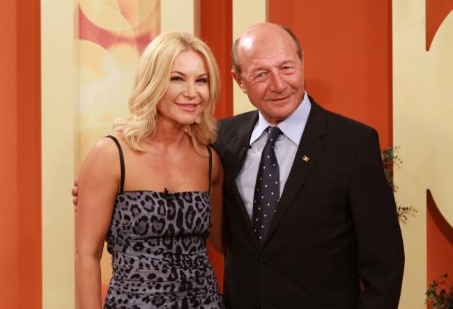 Traian Basescu, emotionat pana la lacrimi, in studioul O Seara Perfecta. Iata ce l-a sensibilizat pe fostul presedinte al Romaniei - VIDEO