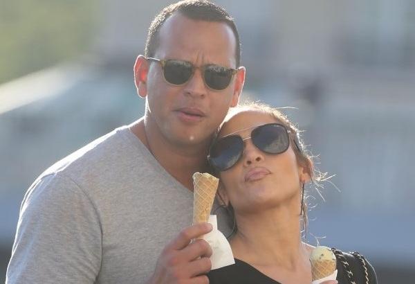 Jennifer Lopez si Alex Rodriguez se casatoresc? Se pare ca cuplul este gata sa faca urmatorul pas in reltia lor - FOTO