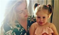 Fetita Karizmei, extrem de dulce in cele mai recente imagini. Aceasta ii cucereste pe toti cu dragalasenia ei - FOTO