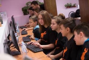 La Orange copiii si parintii au devenit #SuperCoders