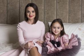 Fiica Sorinei Obreja, pe urmele mamei sale: