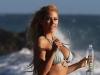 Are aproape un milion de fani pe Instagram si e urmarita la plaja. Modelul a fost surprinsa in cele mai hot ipostaze - FOTO