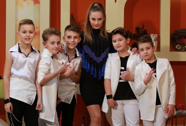 """""""Despacito"""", hitul anului, cantat de 5 copii, super talentati! Interpretarea micutilor pare a fi chiar mai spectaculoasa decat cea originala - VIDEO"""