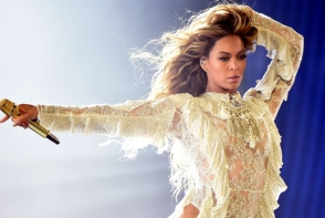 Beyonce si-a innebunit fanii cu cele mai recente fotografii. Nemachiata si intr-o forma fizica de invidiat, iata cum a pozat diva - FOTO