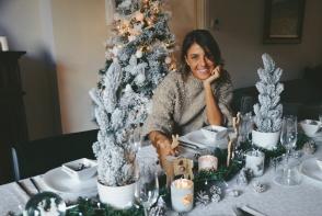 """Cristina Surdu: """"Vor ramane incantati socrii de aceasta masa? Ce ziceti?"""". Vezi cum s-a pregatit bloggerita pentru marea intalnire - FOTO"""
