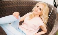 Barbie de Moldova, cu lungi cosite si imbracata in straie populare! Vezi cat de  mult i se potriveste acest outfit Katalinei Rusu - FOTO