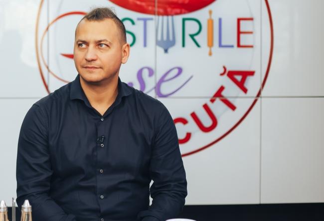 Cunoscutul bucatar-sef, Petru Chicu si-a sarbatorit aniversarea restaurantului ca in filme! Cheful si-a surprins oaspetii cu bucate culinare exclusiviste, gatite in premiera - VIDEO