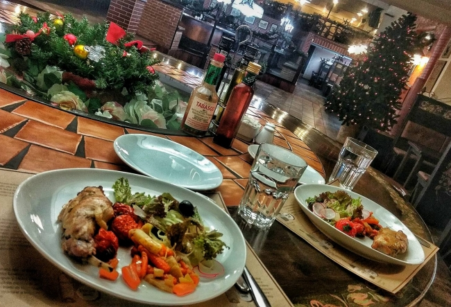 Ai chef de o noua experienta culinara? La Gallo Pub te poti rasfata cu un adevarat deliciu culinar - VIDEO