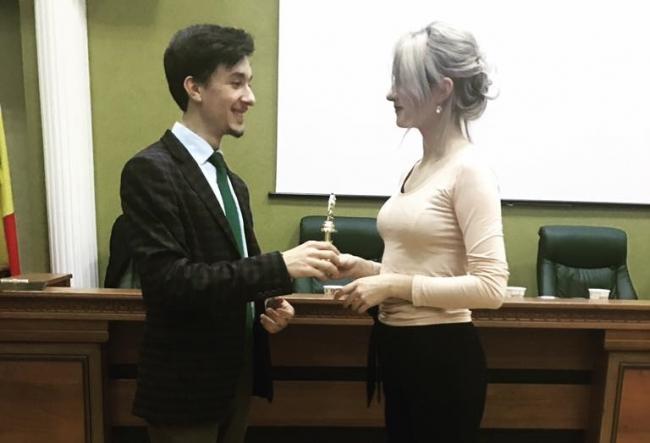 USM si-a desemnat cel mai bun orator! Carina Zatic este cea care s-a remarcat dintre toti participantii, afla prin ce a cucerit juriul - VIDEO