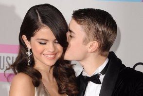 Selena Gomez si Justin Bieber, escapada romantica inainte de sarbatori. Cum au fost surprinsi cei doi indragostiti - FOTO