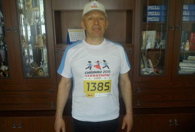 La 55 de ani, Grigore Anastas parcurge zilnic 35 de km pe jos. Afla care este motivul - VIDEO