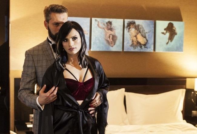 Marco si Diana Ballerini, in rolul lui James Bond si iubita lui, periculos de sexy! Iata o sedinta foto incendiara - VIDEO