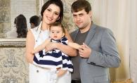 Jasmin si Ilan, impreuna de Craciun. Pictorial de poveste cu familia Shor si noul membru al acesteia - FOTO