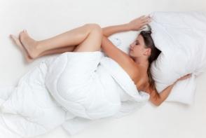 6 obiceiuri nocive pe care le faci inainte de culcare si iti pun sanatatea in pericol. Nu le mai face!