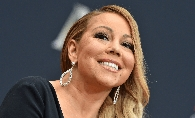 Mariah Carey, o adevarata diva la Globurile de Aur. Cantareata a purtat cea mai stramta rochie si si-a pus decolteul in evidenta - FOTO