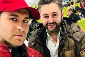 Dupa scandalul in care Adrian Ursu era acuzat ca i-ar fi plagiat videoclipul lui Ionel Istrati, cei 2 artisti au facut pace. De sarbatori au plecat impreuna in SUA
