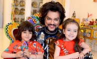 Filip Kirkorov, vacanta luxoasa, alaturi de copiii sai. Alla Viktoria si Martin au admirat cu nesat pasarile flamingo - VIDEO