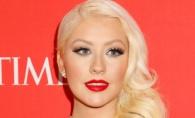 Disperarea de a ramane tanara si frumoasa a adus-o in cabinetul esteticianului. Christina Aguilera, victima ajustarilor nereusite - FOTO