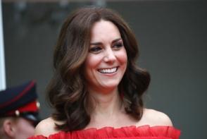 Ducesa de Cambridge a aratat ca o zeita la dineul organizat la Oslo in cinstea ei si a lui William. Vezi ce rochie a purtat Kate Middleton- FOTO
