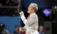 Pink a facut un gest dizgratios la Super Bowl, pentru care a fost criticata dur. Stia ca este filmata si nu s-a abtinut - FOTO