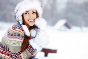 Iarna suntem nevoite sa ne protejam impotriva frigului. Iata care sunt 4 modele de manusi de iarna stylish si foarte calduroase - FOTO