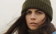 Valeria Stoica i-a cucerit pe romani cu cel mai nou videoclip. Moldoveanca este numita artista neconventionala - VIDEO