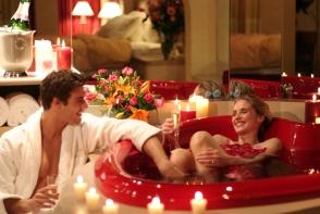 Cum sa te bucuri de Ziua Indragostitilor intr-un mod romantic, la tine acasa. Iata cateva sugestii bune - FOTO