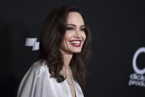 Angelina Jolie, piele si os, din cauza bolilor. Cum arata actrita la 49 de  kilograme - FOTO