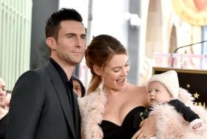 Adam Levine a devenit tata pentru a doua oara. Afla ce nume ciudat a primit fiica sa - FOTO