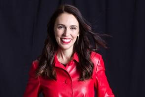 Noua Zeelanda se poate lauda cu un prim ministru sexy. Politiciana se numeste Jacinda Arden si are 37 de ani - FOTO