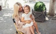 "Kornelia Stefanet: ""Printesa mea cu siguranta imi va calca pe urme!"". Micuta Alexandra canta pe scena alaturi de mama sa - FOTO"