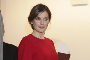 Regina Letizia a Spaniei, superba in rosu din cap pana in picioare. Este una dintre cele mai stilate regalitati - FOTO