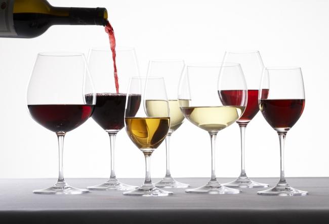 Pentru prima data, 15 producatori din Moldova participa la expozitia specializata de vinuri, ce are loc tocmai la New York. Cum au fost apreciate vinurile noastre - VIDEO