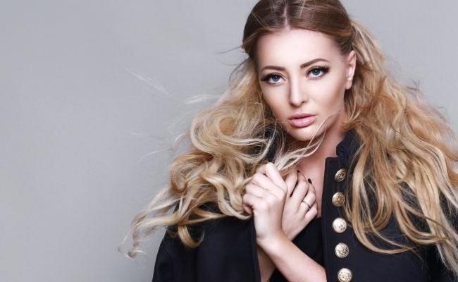 Un show de neuitat! Delia, diva muzicii pop din Romania a creat spectacol la Chisinau - VIDEO