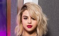 Selena Gomez a pierdut lupta cu kilogramele? Imaginile cu vedeta in costum de baie i-a lasat masca pe fani - VIDEO