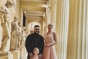 Au dat o petrecere de zile mari la muzeu! Iata cum au sarbatorit Timati si Aliona Shishkova, ziua de nastere a fiicei lor - FOTO